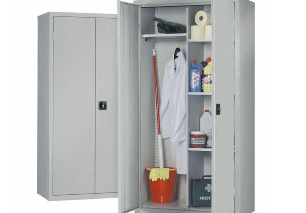 Металлический шкаф для уборочного инвентаря